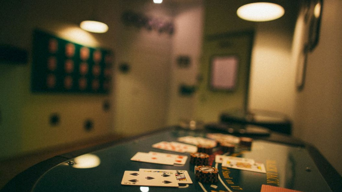 Квест Карты, деньги, два стола - Кубикулум - Москва - Отзывы и бронирование