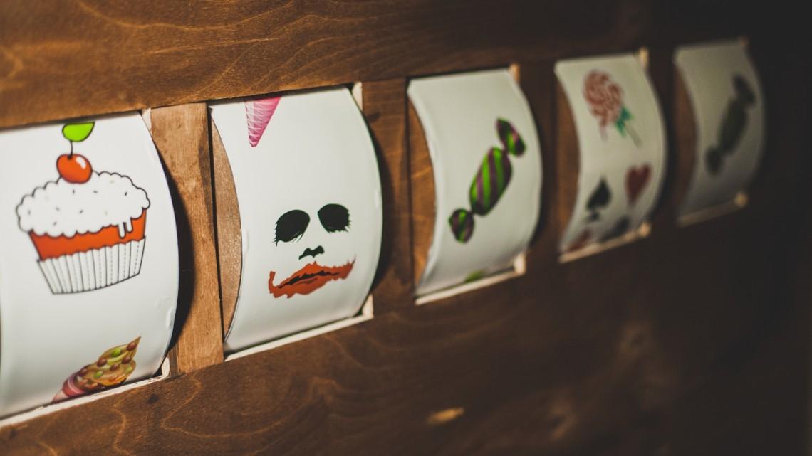 """Квест Джокер-кафе """"Сладость или гадость"""" - Выйти из комнаты - Казань - Отзывы и бронирование"""